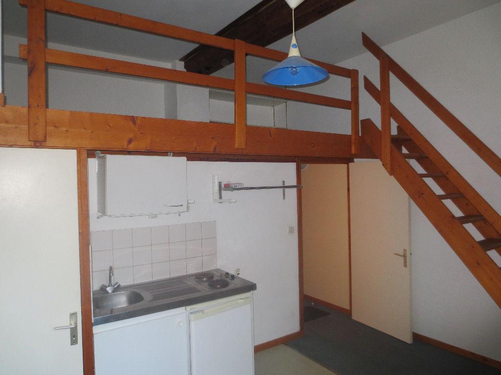 Location appartement 59000 Lille - Studio lumineux 24 m² Jean-Baptiste Lebas