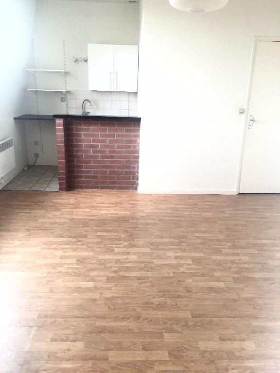 Location appartement 59000 Lille - Lille/REPUBLIQUE - SAINT MICHEL T2 non meublé de 30m²