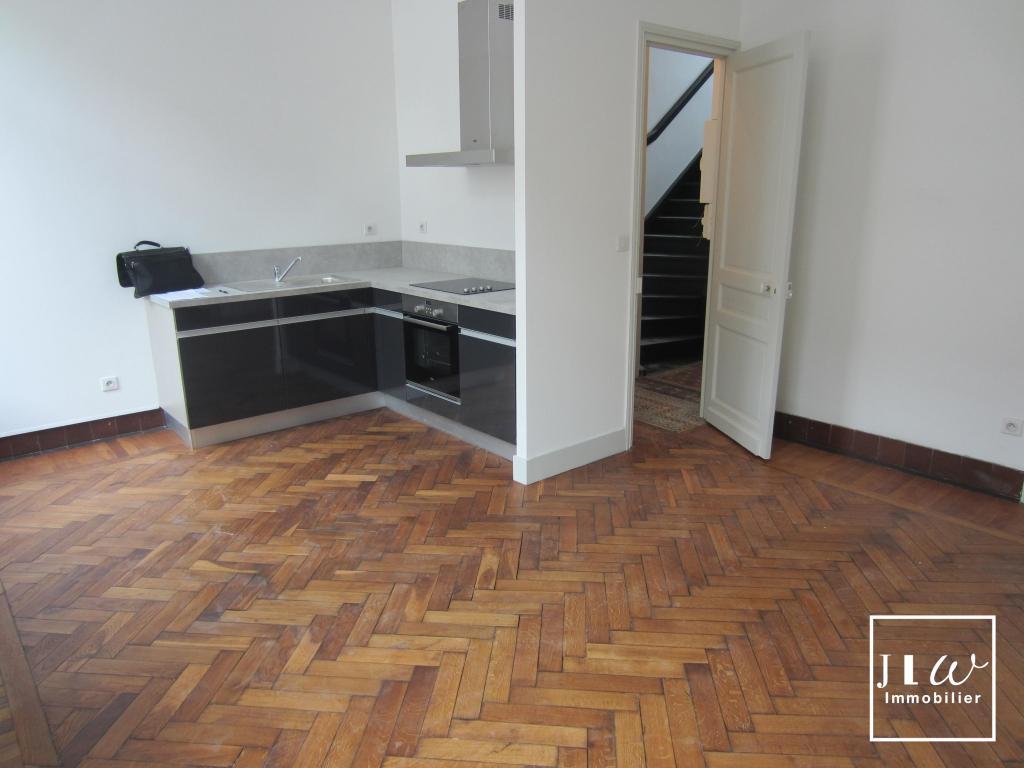 Location appartement 59000 Lille - Lille République - T2 non meublé de 46,42m² avec parking