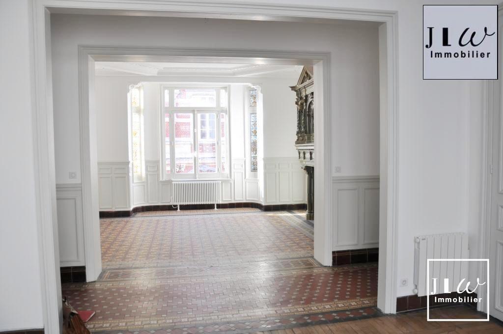 Location appartement 59000 Lille - Lille République - 4 Pièces de 103m² non meublé