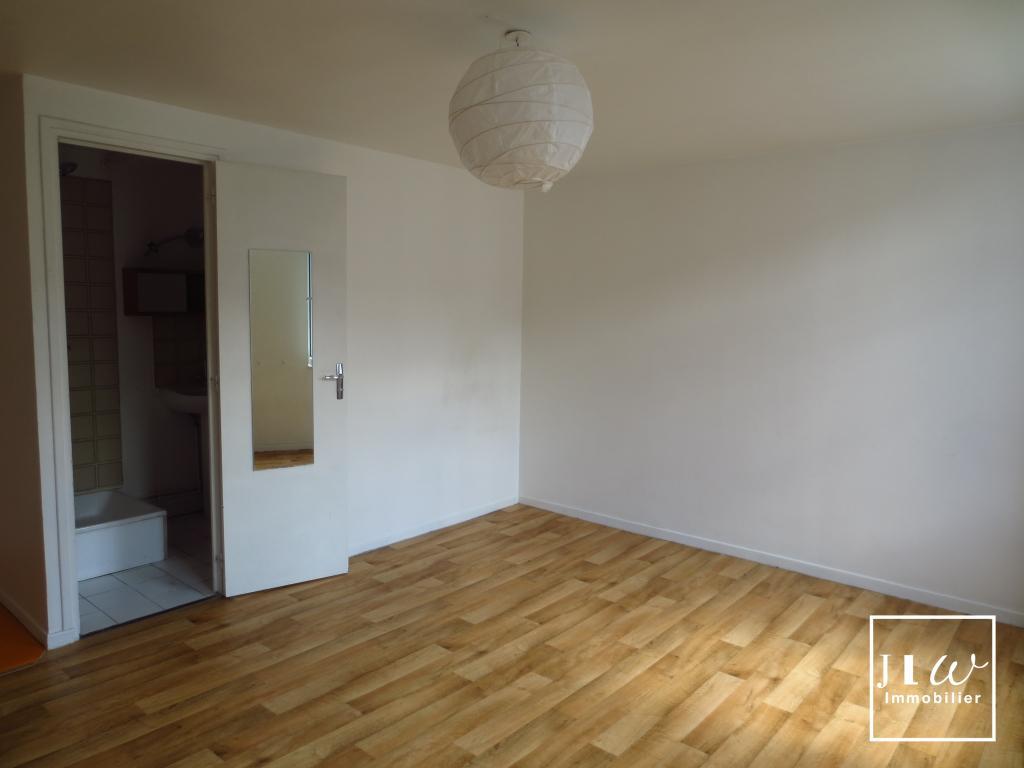 Location appartement 59000 Lille - Lille - SAINT MICHEL 2 pièces de 35m² non meublé