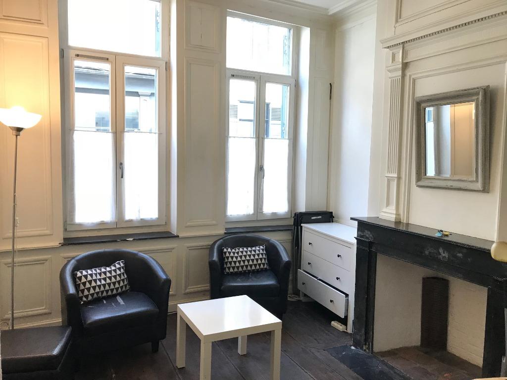 Location appartement 59000 Lille - Vieux Lille - 2 pièces de 27m² meublé