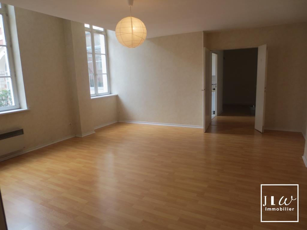 Location appartement 59000 Lille - Superbe type 3 idéalement situé rue Royale