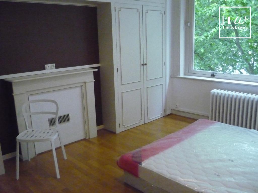 Location appartement 59000 Lille - Place de strasbourg - Type 6 de 140m². PRET DE MEUBLES