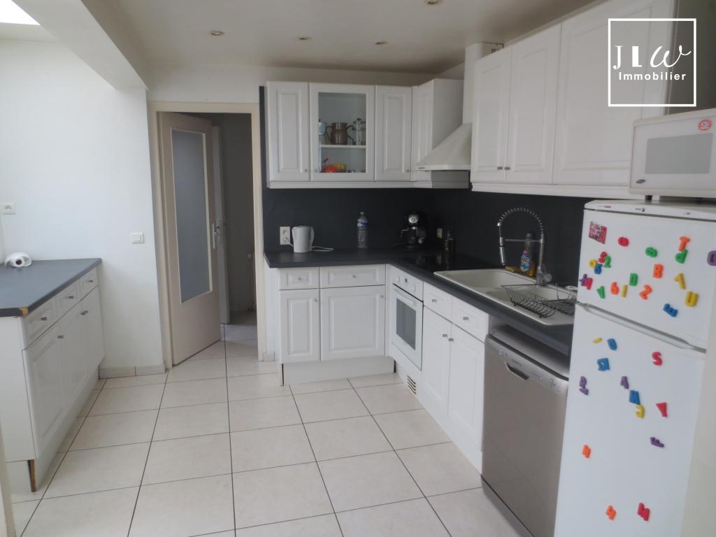 Location appartement 59000 Lille - Lille Saint Michel - Type 3 meublé en triplex de 88m²