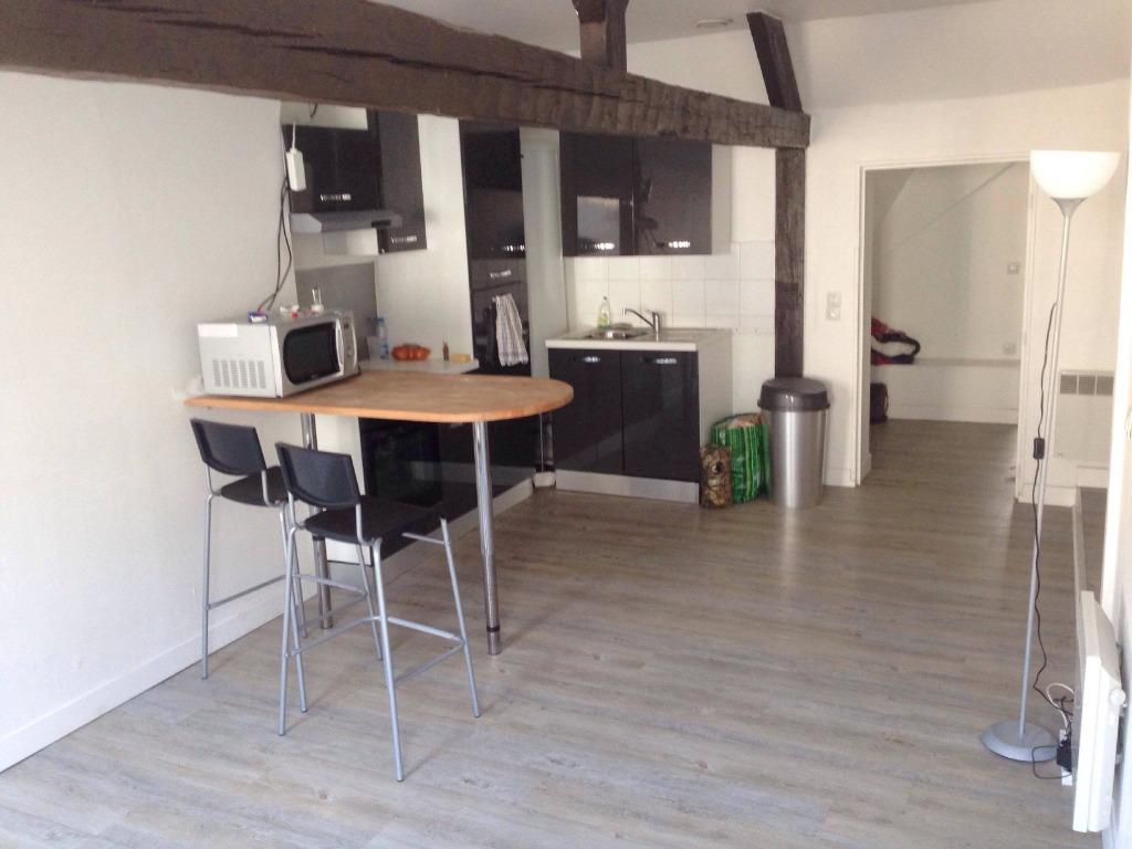 Location appartement 59000 Lille - TYPE 2 RÉNOVÉ HYPER CENTRE