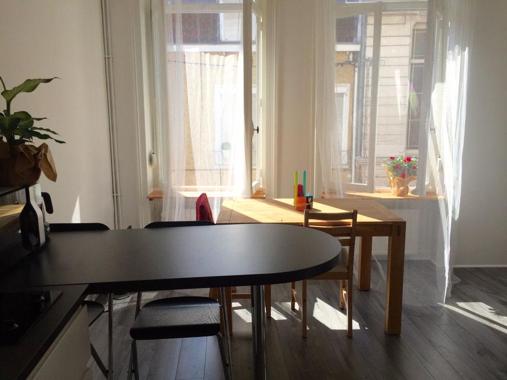 Location appartement 59000 Lille - Type 2 meublé refait à neuf secteur République/Gambetta