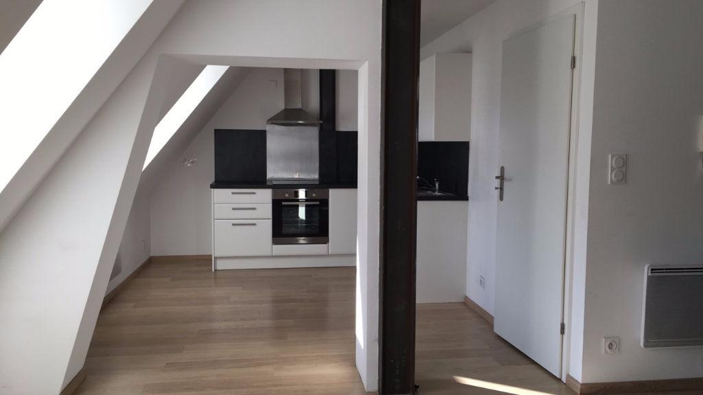 Location appartement 59000 Lille - Appartement 2 pièces non meublé en duplex de 47m²