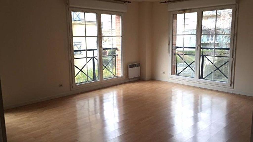 Location appartement 59000 Lille - Appartement Lille 3 pièces 70 m2 - Non meublé