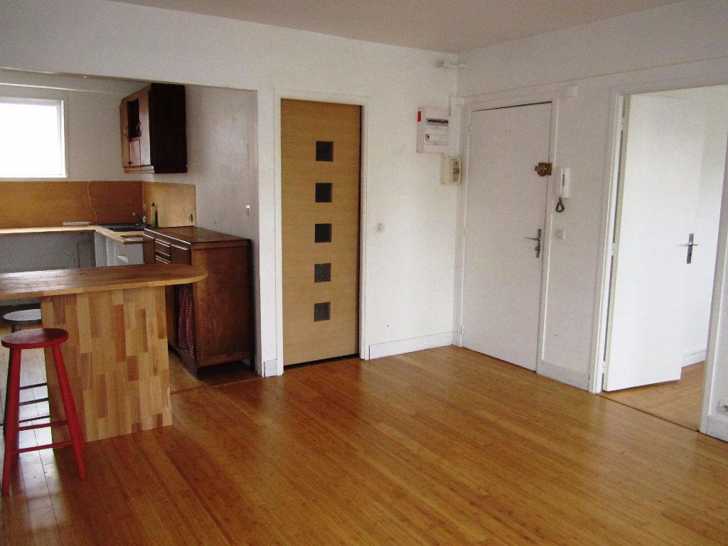 Location appartement 59000 Lille - Charmant T2 Non Meublé 38m²