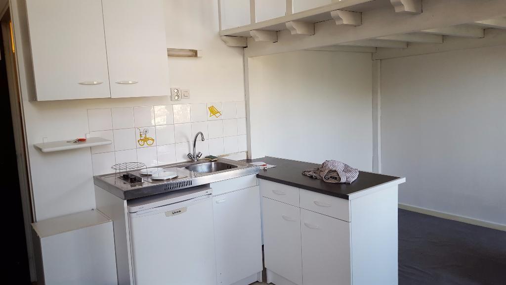 Location appartement 59000 Lille - Lille République - Studio non meublé de 18m²