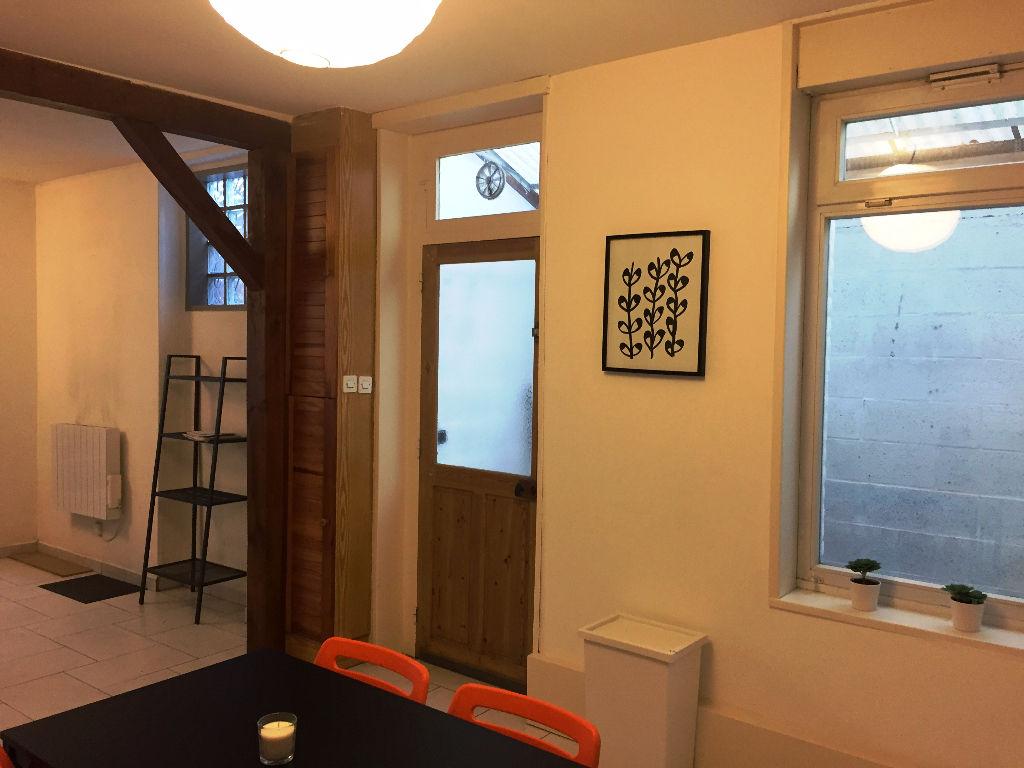 Location maison 59000 Lille - Maison Lille de type 4 meublée de 85m²