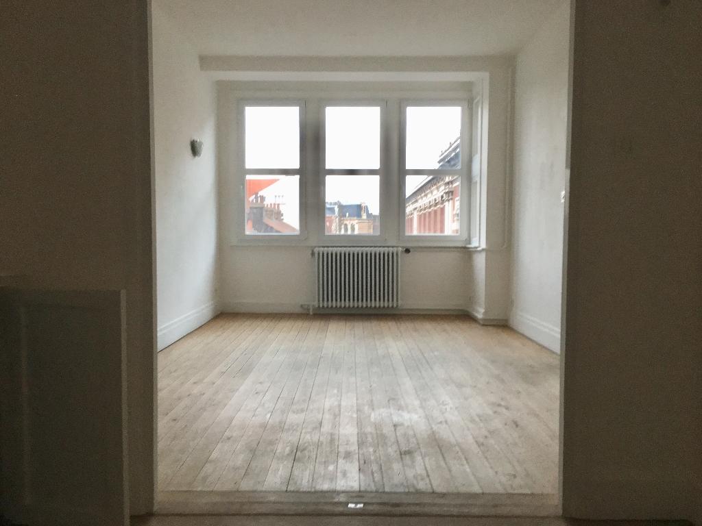 Location appartement 59000 Lille - Appartement Lille T2 bis non meublé de 60 m2