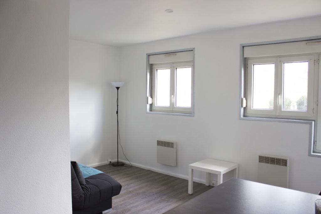 Location appartement 59000 Lille - WAZEMMES - Studio meublé entièrement rénové