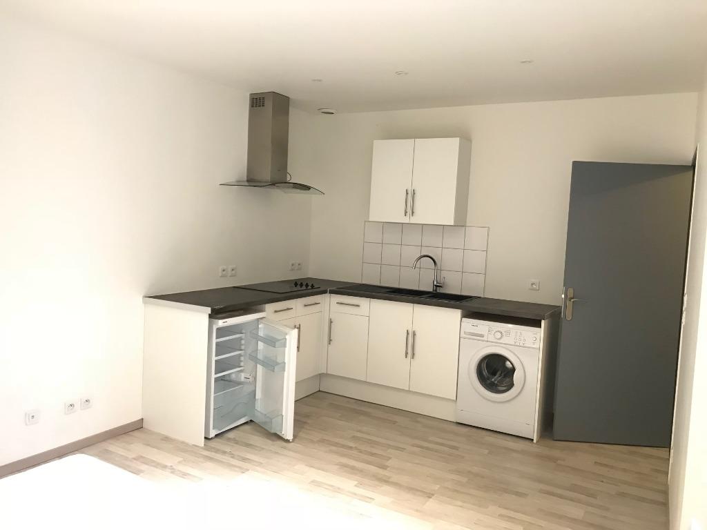 Location appartement 59000 Lille - Lille centre - Studio non meublé de 26m² avec balcon