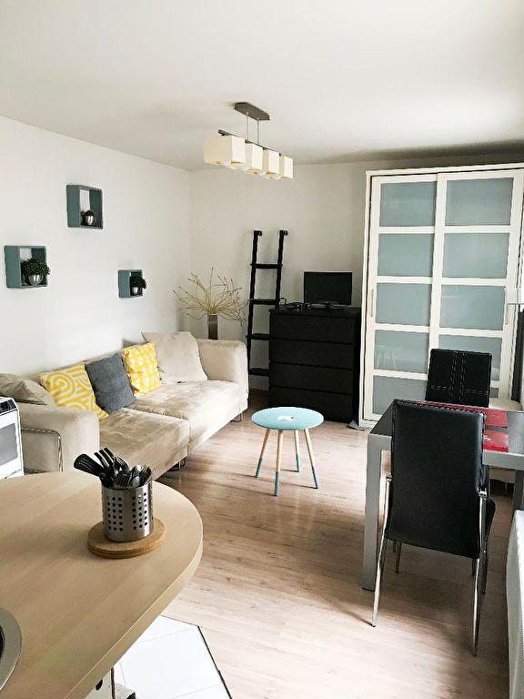 Location appartement 59000 Lille - Vieux-Lille - Studio meublé de 22,20m²