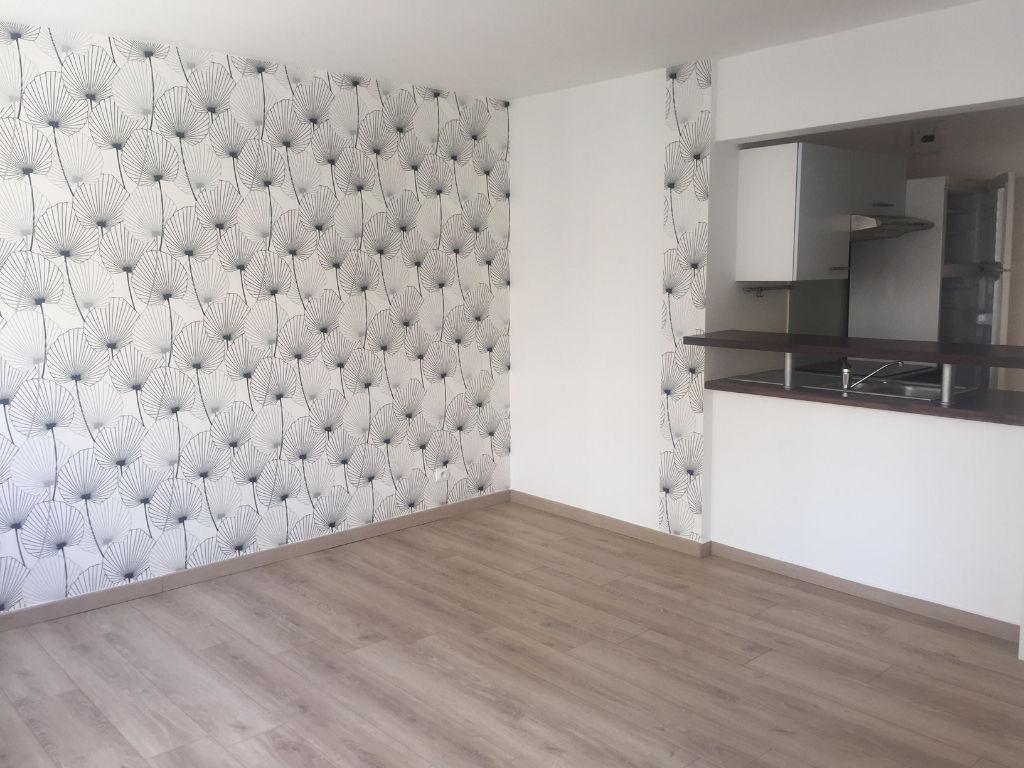 Location appartement 59000 Lille - Vieux-Lille - 2 pièces de 37m2 non meublé avec parking