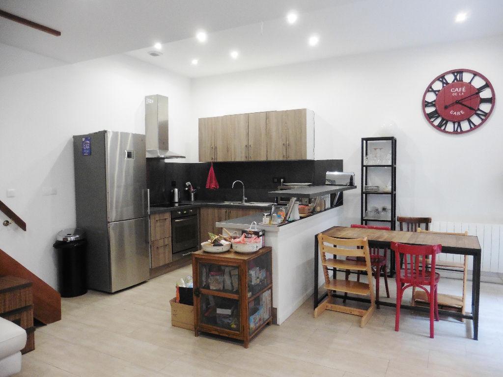 Location maison 59000 Lille - Maison Lille 4 pièces - Non meublée -  89m2 - Rue Pierre Mauroy