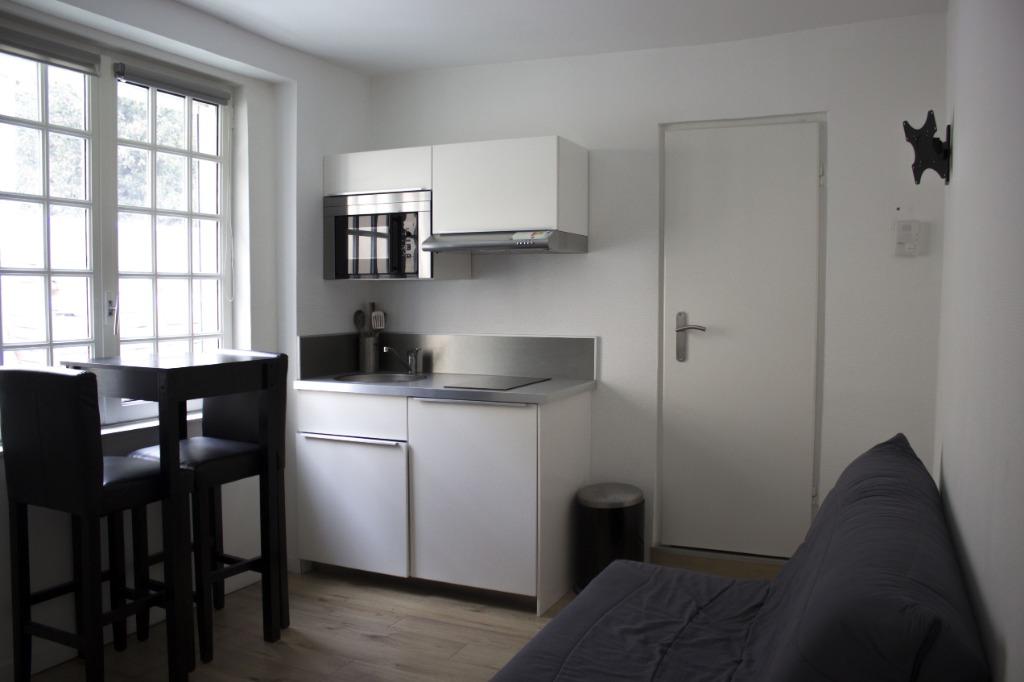 Location appartement 59000 Lille - Beau T2 avec prêt de meubles de 24.41m²