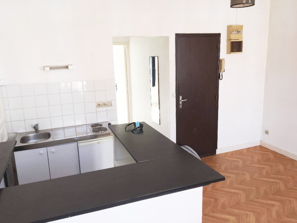 Location appartement 59000 Lille - Lille République - Type 1 bis non meublé de 30m²