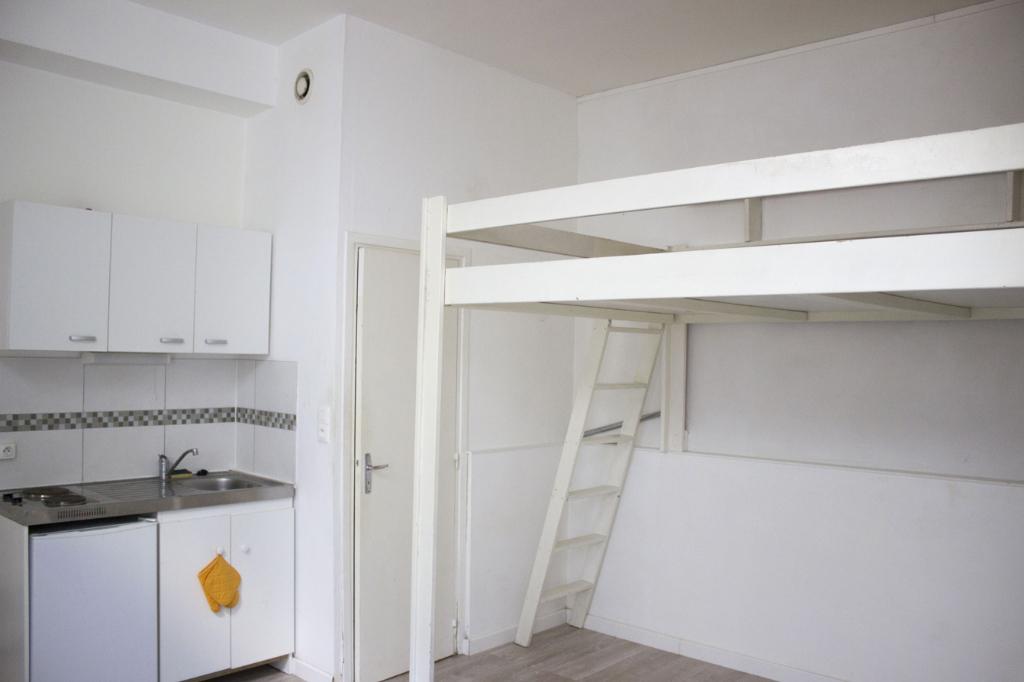 Location appartement 59000 Lille - Appartement Lille 1 pièce(s) 22.89 m2 - Non meublé